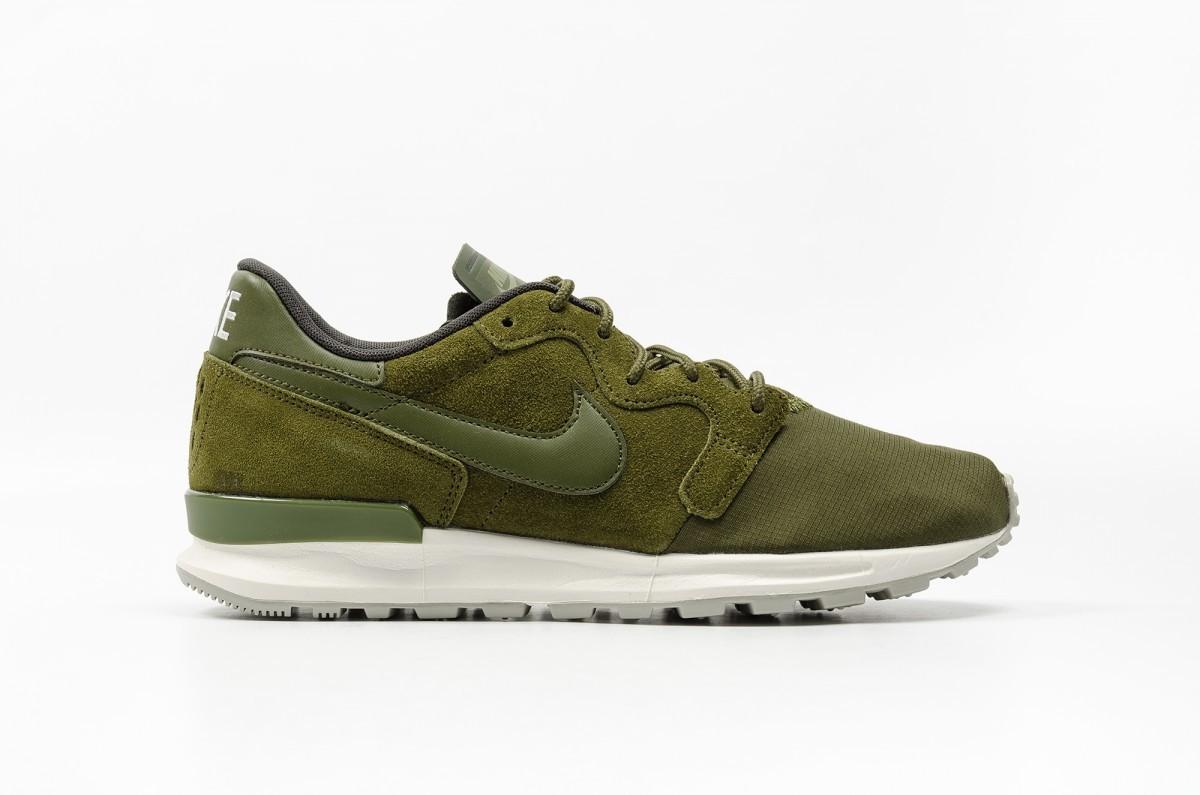 Nike Air Berwuda Premium Hombre verdes 844978-300