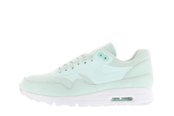 Nike Mujer AIR MAX 1 Ultra Essentials verdes 704993-302
